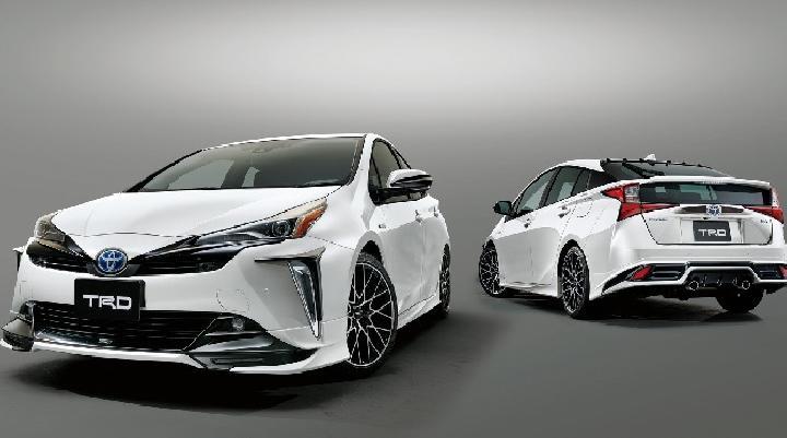 Toyota Prius TRD 2019 Diluncurkan: Kian Garang, Lampu Mata Elang